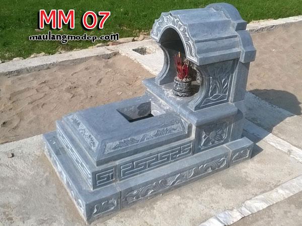 mẫu mộ đá hậu bành không mái đá