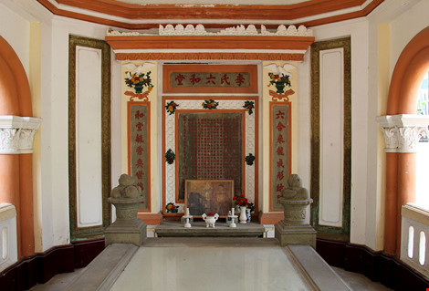 Choáng ngợp khu mộ cổ của bá hộ giàu nhất Sài Gòn xưa - 10