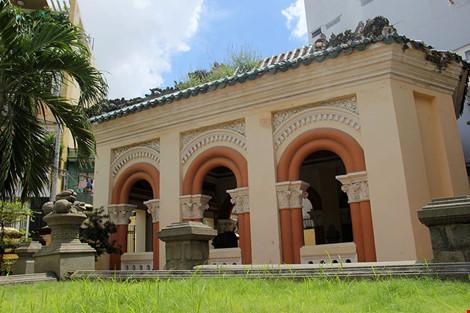 Choáng ngợp khu mộ cổ của bá hộ giàu nhất Sài Gòn xưa - 15