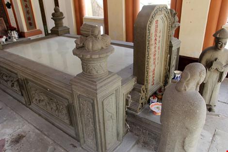 Choáng ngợp khu mộ cổ của bá hộ giàu nhất Sài Gòn xưa - 6