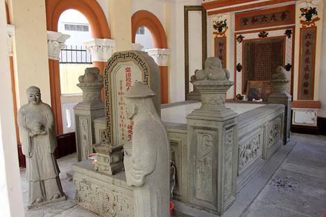 Choáng ngợp khu mộ cổ của bá hộ giàu nhất Sài Gòn xưa - 7
