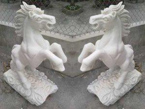 Mẫu ngựa bằng đá đẹp