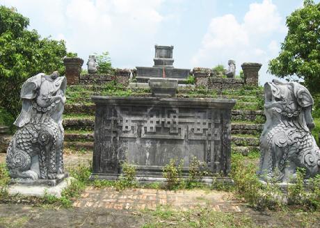 """Những bức tượng đá cổ với nét chạm khắc tinh xảo vẫn """"trơ gan cùng tuế nguyệt"""""""