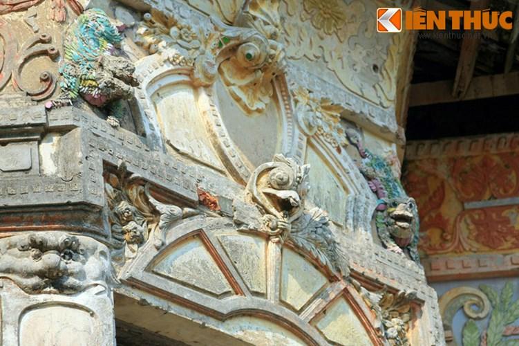 Lang mo co phong cach Viet - Hoa - Phap - Khmer doc nhat VN-Hinh-13 Có thể nói, mộ ông Hàm là một công trình kiến trúc độc đáo hội tụ bản sắc văn hóa của cả 4 dân tộc hiện diện ở đất Trà Vinh xưa là người Việt, người Hoa, người Pháp và người Khmer.