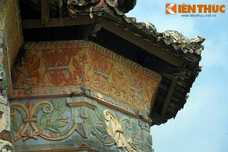 Lang mo co phong cach Viet - Hoa - Phap - Khmer doc nhat VN-Hinh-9 Đó là mô típ hoa lá phương Tây cổ điển.