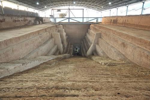 Nhiều học giả Trung Quốc không cho rằng đây là lăng mộ một trong những nhân vật kiệt xuất nhất thời Tam quốc.